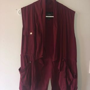 Burgundy vest with shall collar